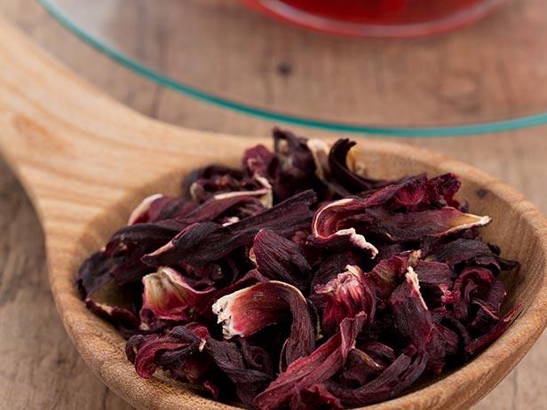 Chá de hibisco é o truque da receita de polenta com ragu